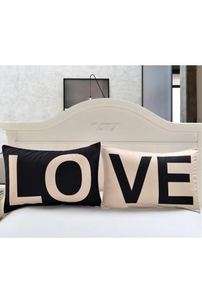 Love Yazılı Hediyelik Aşk Yastığı Elyaf Dolgulu Güzel Yastık